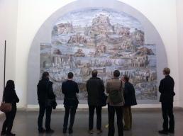 """Analyysia ja tulkintoja Palestrinan arkeologisen museon """"Niilin mosaiikkien"""" edessä Palazzo Colonna-Barberinissa."""