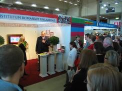 Paavo Lipposen suhde Roomaan kiinnosti messuyleisöä 2011