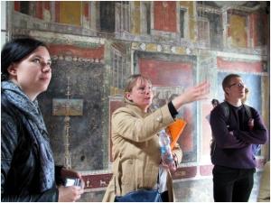Kolmas retkemme suuntasi Pompeijiin, missä asiantuntijaoppaanamme toimi Ria Berg.