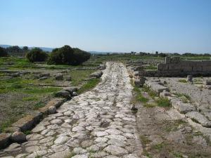 Puglian retkellämme seurasimme suurin piirtein muinaisen roomalaisen Via Appian reittiä, joka kulki Roomasta Brundisiumiin (nyk. Brindisi).