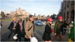 Pää suojaan aivomyrskyltä. Colosseum.