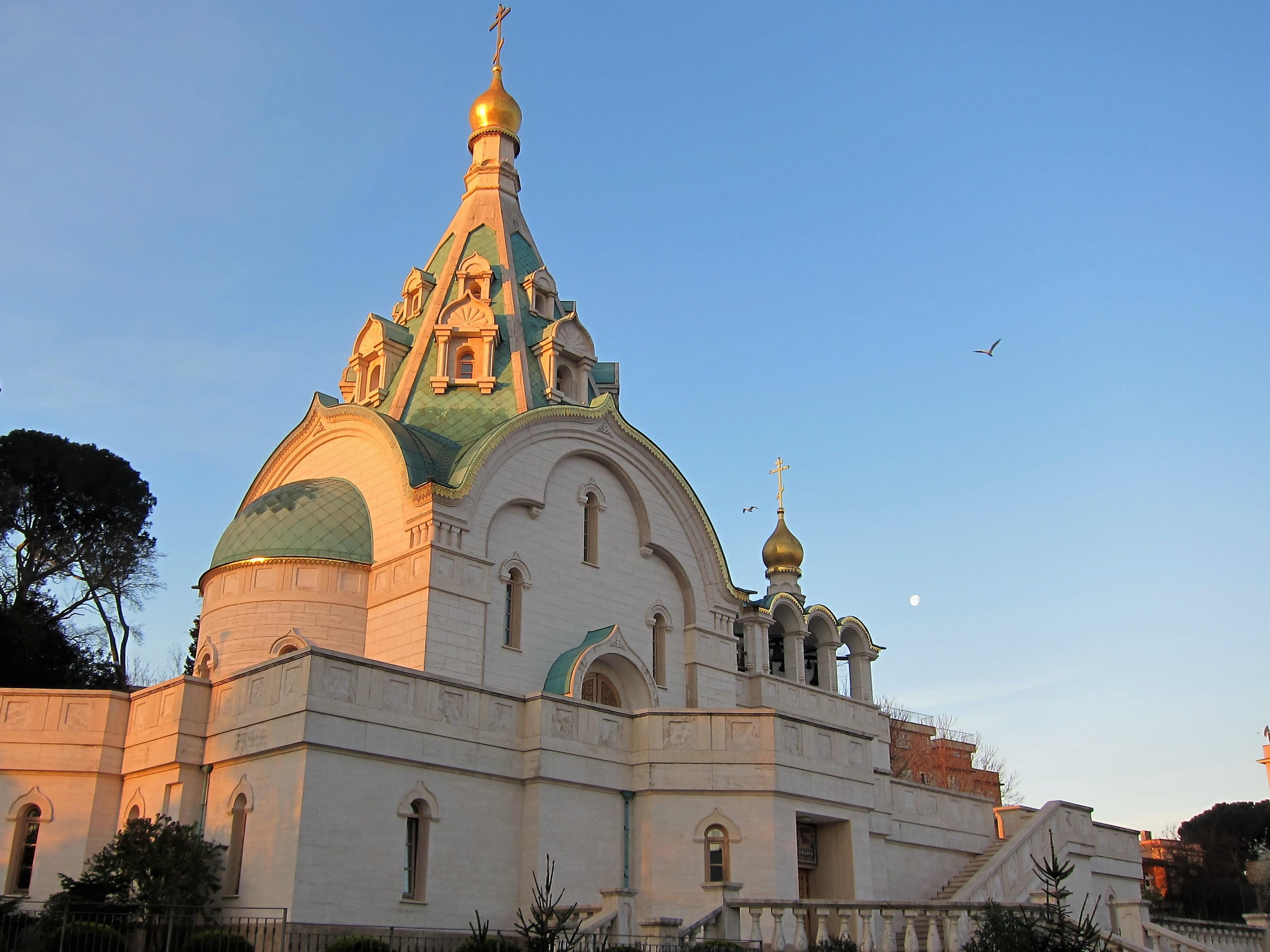 Näkymä ikkunastamme venäläis-ortodoksiselle kirkolle